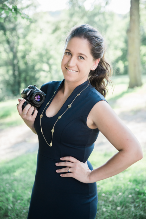 a photo of jennifer Anderson a photographer
